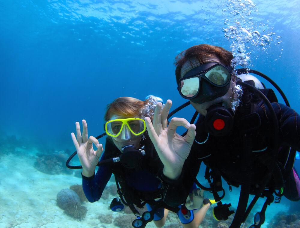 體驗潛水課程會由教練帶領